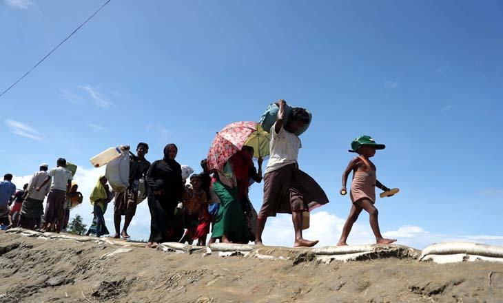 মিয়ানমার থেকে পালিয়ে আসা রোহিঙ্গাদের ছবিগুলো তুলেছেন আল আমিন লিয়ন